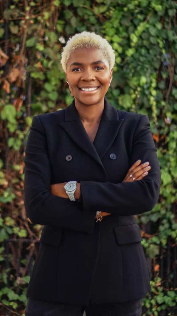 Zeze Oriaikhi-Sao is an entrepreneur, influential speaker, podcast host, blogger, freelance columnist, social media personality and brand consultant